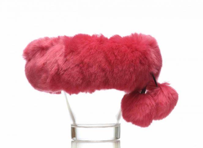 Modisches Stirnband aus Kunstpelz in der Farbe pink