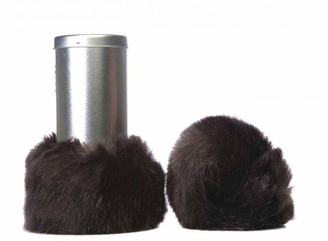 Modische Beinstulpe aus Kunstpelz in der Farbe Braun