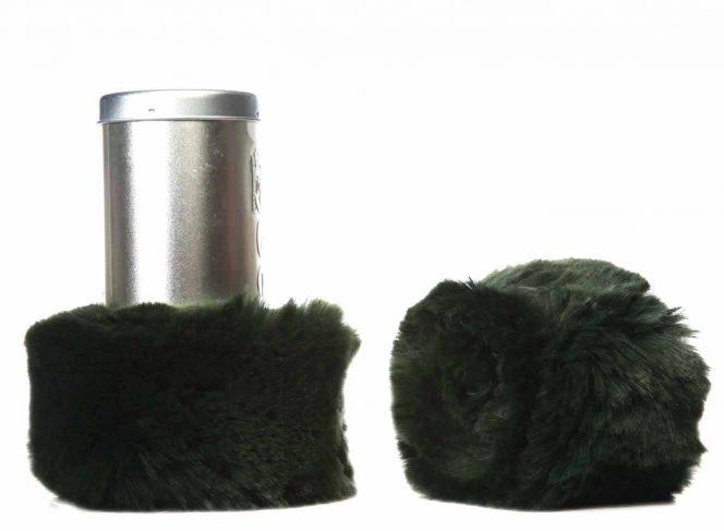 Modische Beinstulpe aus Kunstpelz in der Farbe Grün